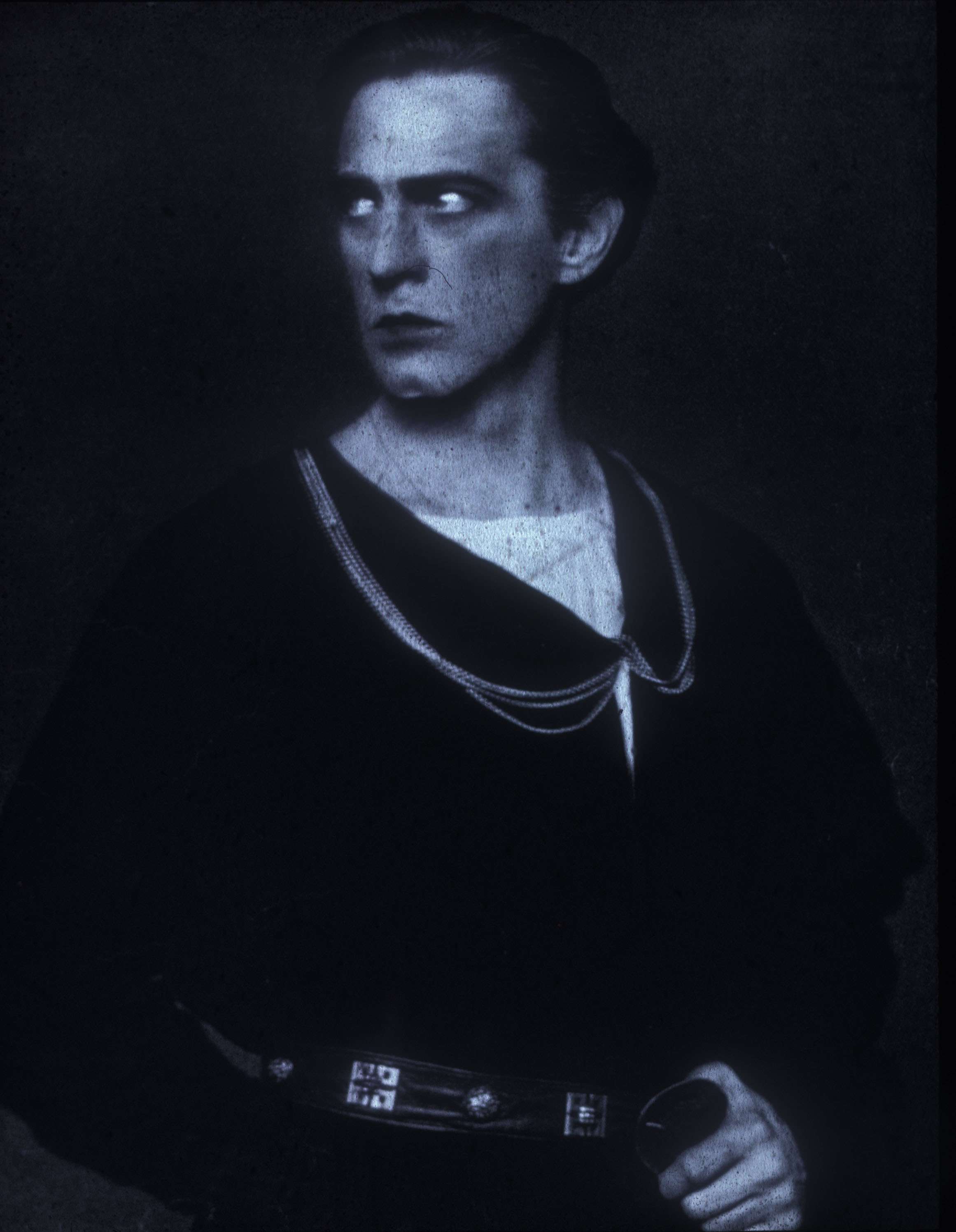 - steichen_john-barrymore-as-hamlet