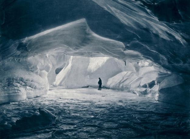 13-exploring-massive-ice-cave-670