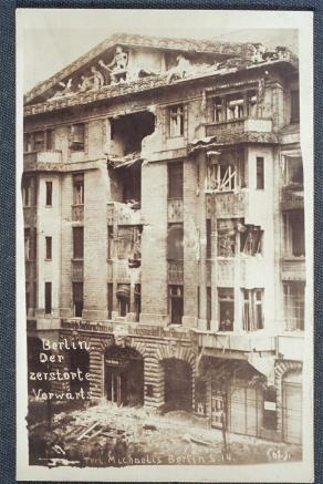 MichaelisBerlin1918Bombed