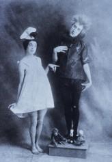 Schiele1910Moa+Erwin