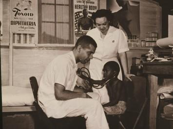 ClinicAtFSACamp1942